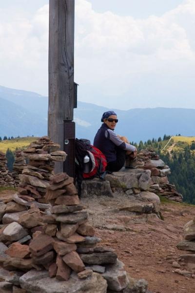 Am Gipfelkreuz bei den Stoanernen Mandln