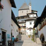 Im Innenhof des ehemaligen Klosters San Romedio