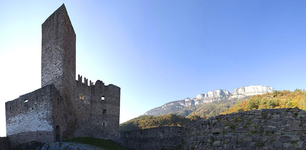 Schloss Hocheppan