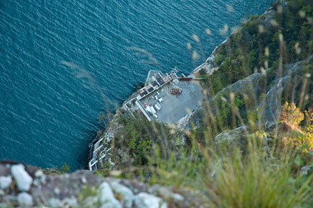 Ein Blick auf den alten Hafen am Gardasee (Porto del Ponale)