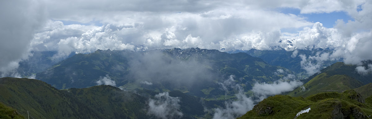 Bergpanorama bei Ausblick vom Hundstein