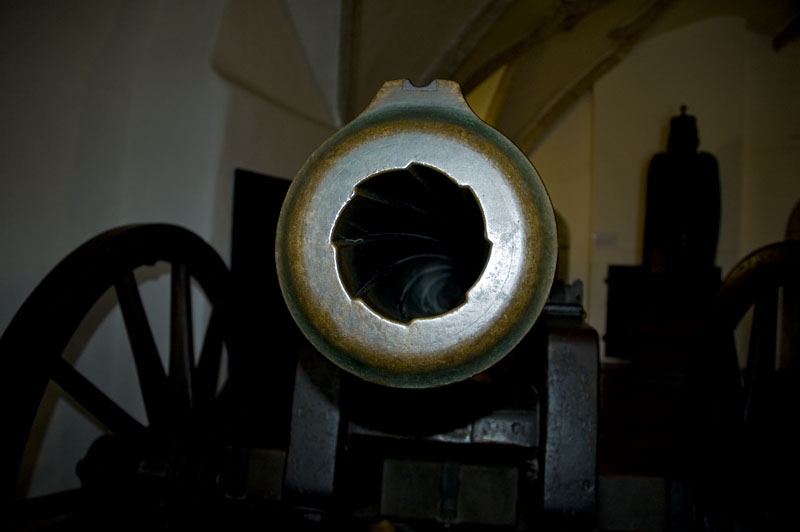 Das Geschütz in der Festung Hohensalzburg ist auf die Altstadt gerichtet