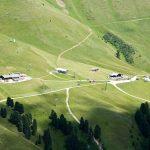 Blick ins sommerliche Skigebiet Latemar