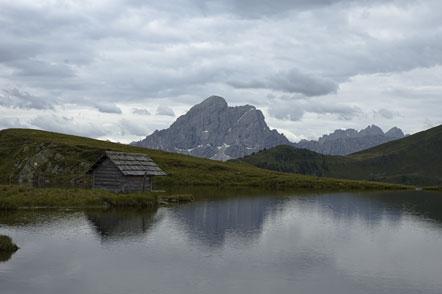 Glittner See mit Blick auf Peitlerkofel