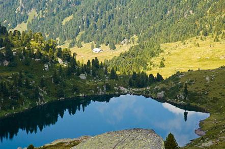 Lago delle Stellune im Val Cadino in der Lagorei-Gruppe