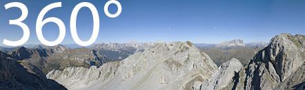Auf dem Kamm der Costabella mit wunderbaren Ausblick auf die Südtiroler Dolomiten.