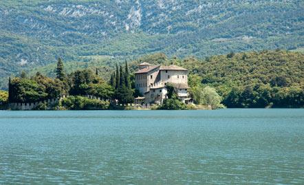 Schloss Toblino (Castel Toblino) am Toblino See