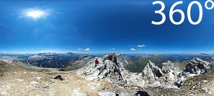 360° Kugelpanorama fotografiert auf der Puez Spitze. Blick auf die Südtiroler, Belluneser und Trientner Dolomiten.