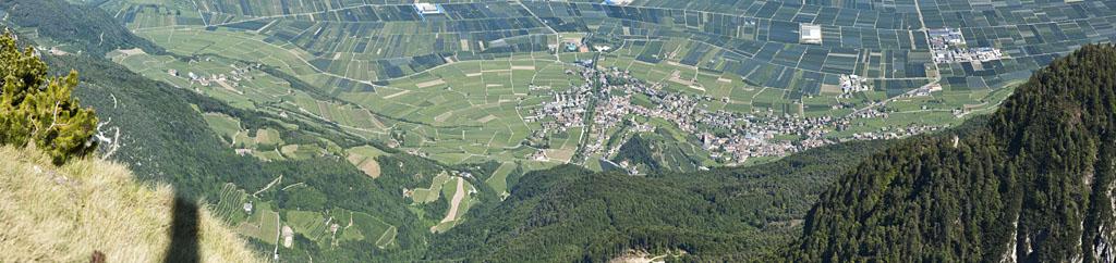 Weindorf in Südtirols Süden