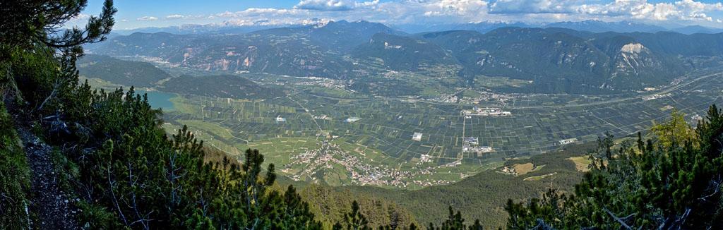 Tramin   Weindorf in Südtirol