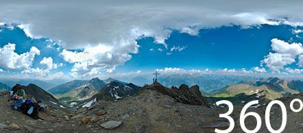 Am Gipfel der höchsten Erhebung der Sarntaler Alpen auf dem Hirzer