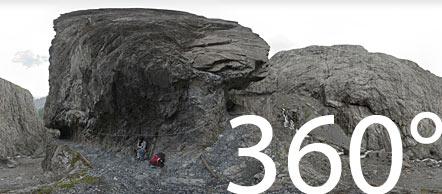 Auf dem Felsenweg in der Uina Schlucht