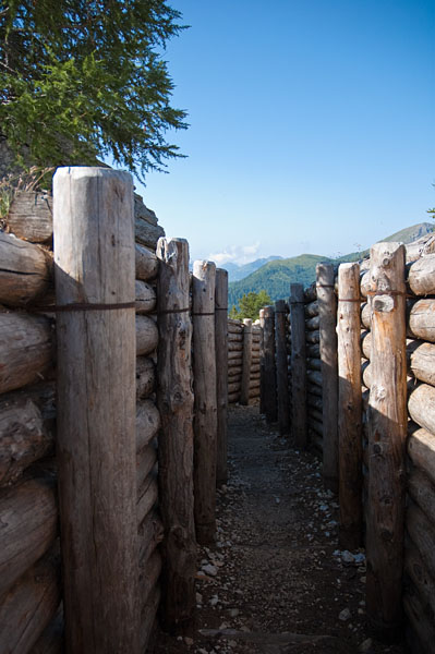 Schützgraben am Valparolapass