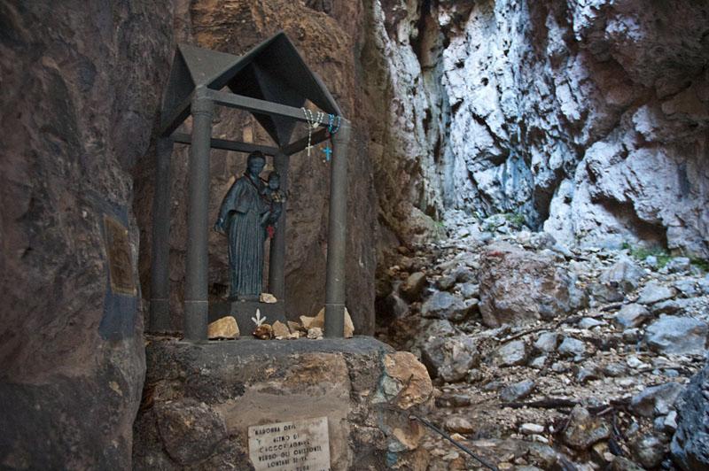 Schutzheilige im Burrone Klettersteig