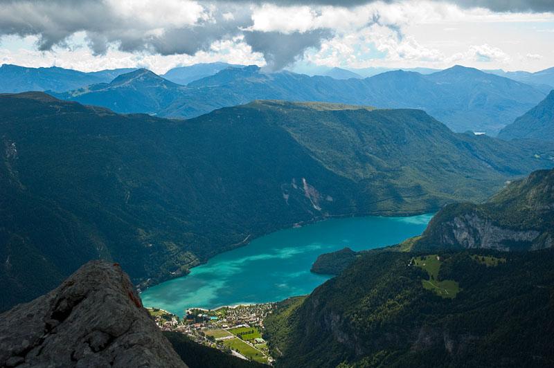 Blick vom Croz dell'Altissimo zum Molveno See