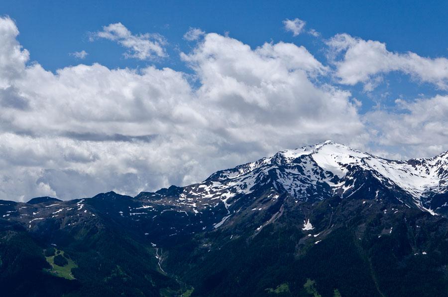 Taken at Latitude/Longitude:46.648447/10.864637. 3.56 km North Latsch Trentino Alto Adige Italy  (Map link)