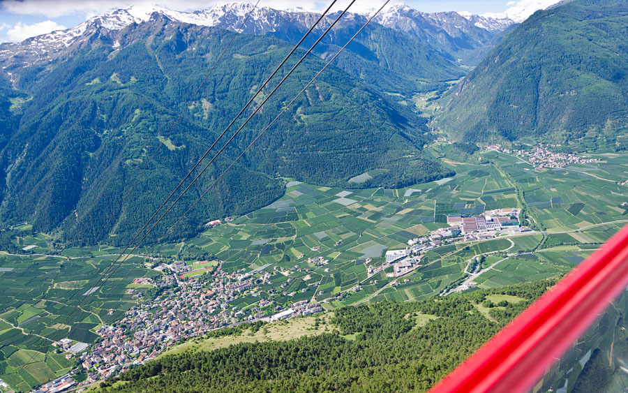 Taken at Latitude/Longitude:46.636812/10.854726. 2.22 km North Latsch Trentino Alto Adige Italy  (Map link)