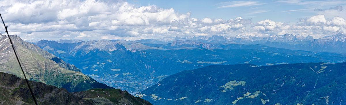 Taken at Latitude/Longitude:46.659029/10.870578. 4.39 km North West Castelbello Ciardes   Kastelbell Tschars Trentino Alto Adige Italy  (Map link)