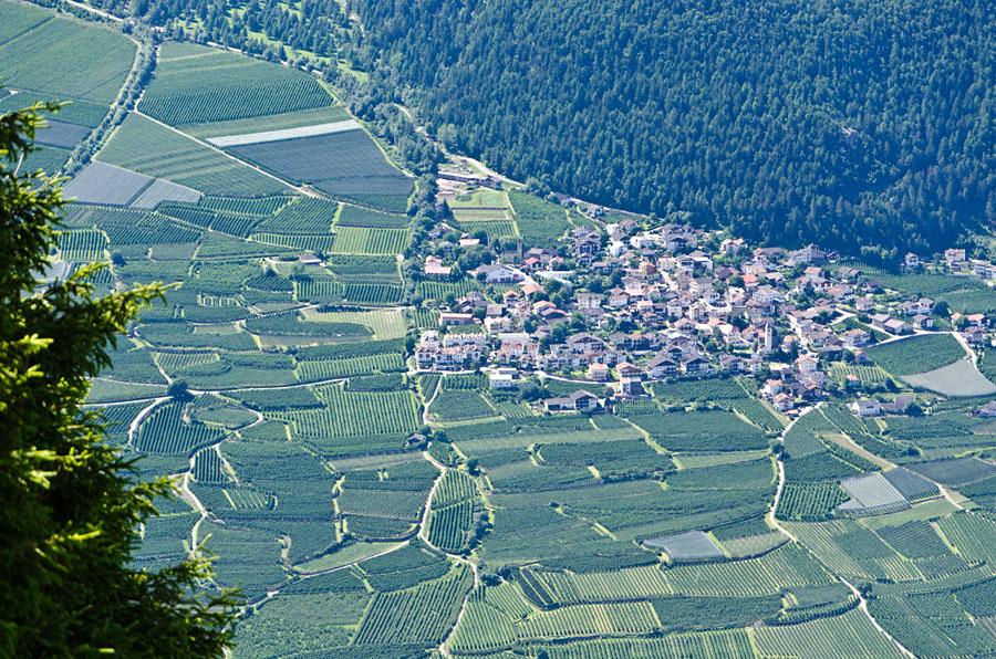 Taken at Latitude/Longitude:46.638667/10.854166. 2.42 km North Latsch Trentino Alto Adige Italy  (Map link)