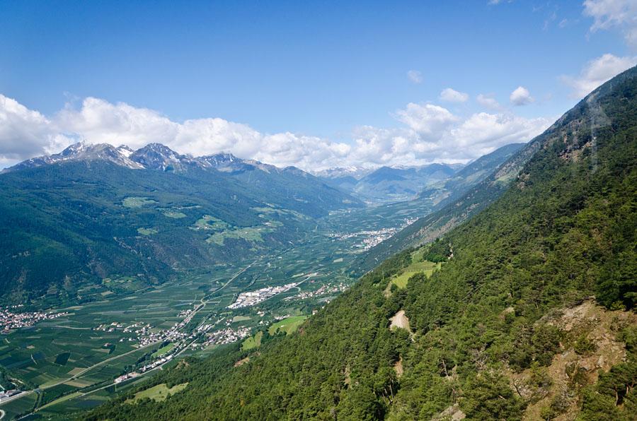 Taken at Latitude/Longitude:46.634570/10.856303. 1.96 km North Latsch Trentino Alto Adige Italy  (Map link)
