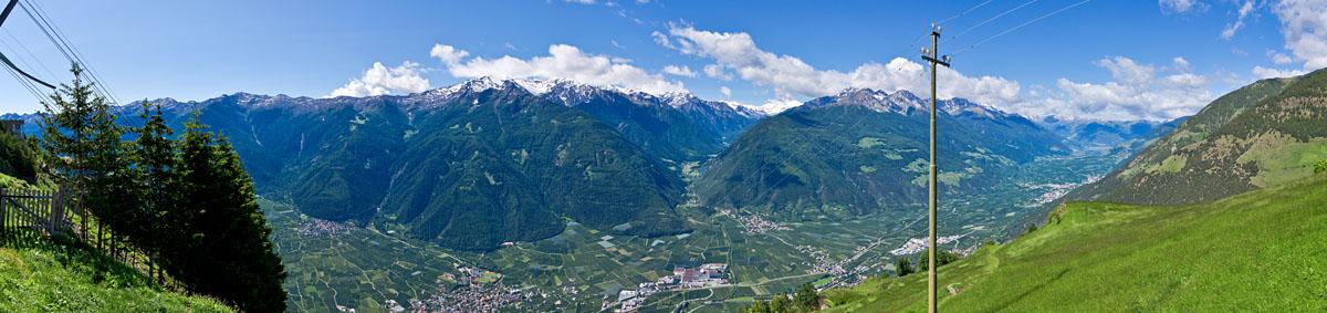 Taken at Latitude/Longitude:46.638637/10.854171. 2.42 km North Latsch Trentino Alto Adige Italy  (Map link)