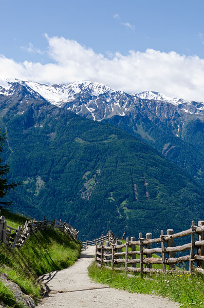 Taken at Latitude/Longitude:46.639398/10.855056. 2.50 km North Latsch Trentino Alto Adige Italy  (Map link)