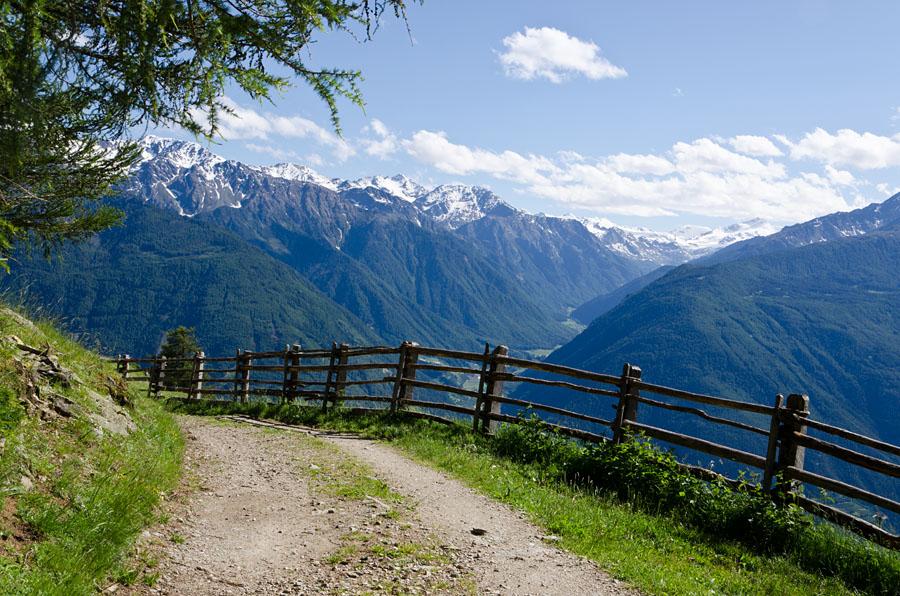 Taken at Latitude/Longitude:46.640337/10.855331. 2.61 km North Latsch Trentino Alto Adige Italy  (Map link)