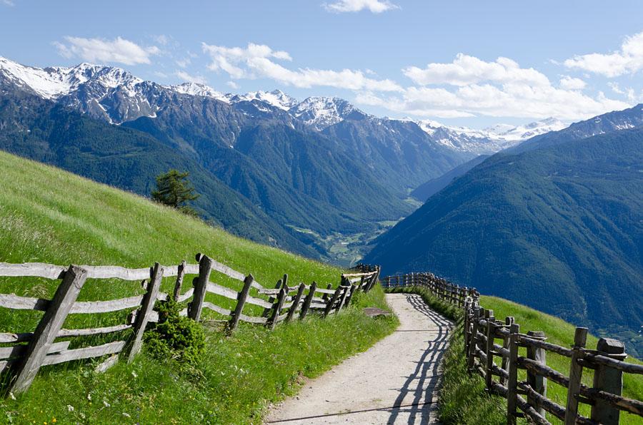 Taken at Latitude/Longitude:46.639750/10.855331. 2.54 km North Latsch Trentino Alto Adige Italy  (Map link)