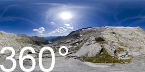 Blick auf des Neves Stausee und die Gletscherzungen des Hohen Weißzint