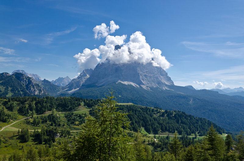 Im Rücken der Thron der Götter, der Monte Pelmo.