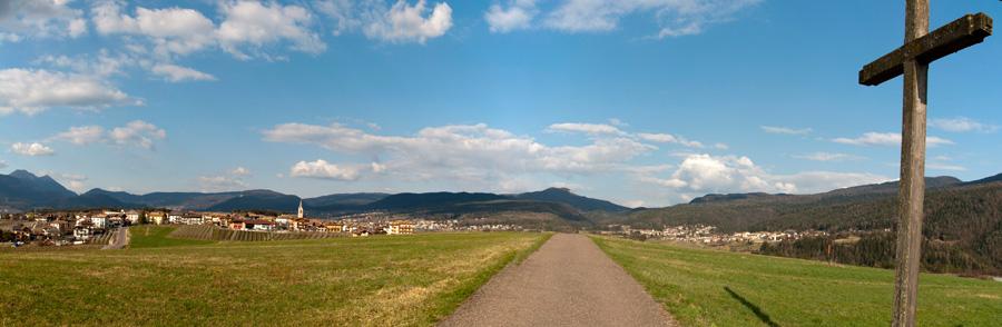 20120325 Panorama am Wegkreuz bei Romeno 001