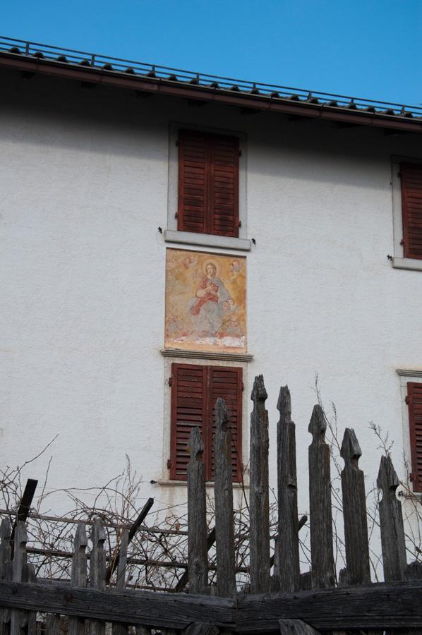 20120325 Wohnhaus in Romeno 001