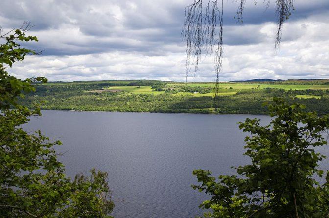Wanderpfad über Loch Ness im Abriachan Wood