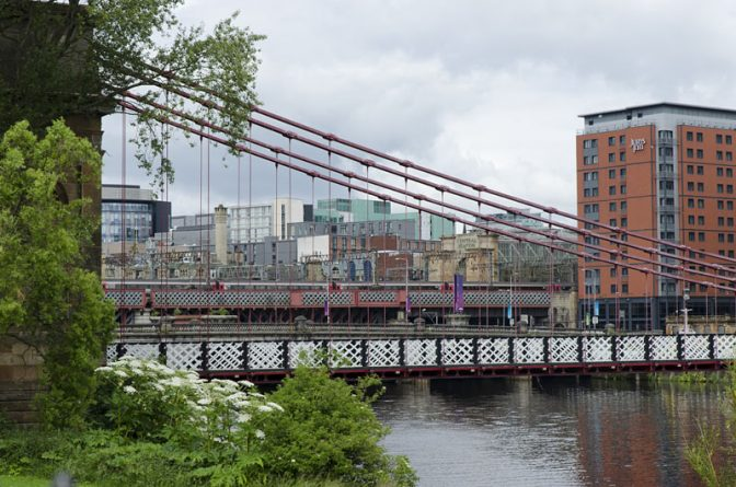 Fußgängerbrücke South Portland Street über den Fluss Clyde in Glasgow