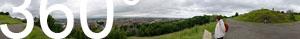 Blick von Calton Hill in Richtung Norden: Firth of Forth (Meeresarm und Mündung des Flusses Forth in die Nordsee).