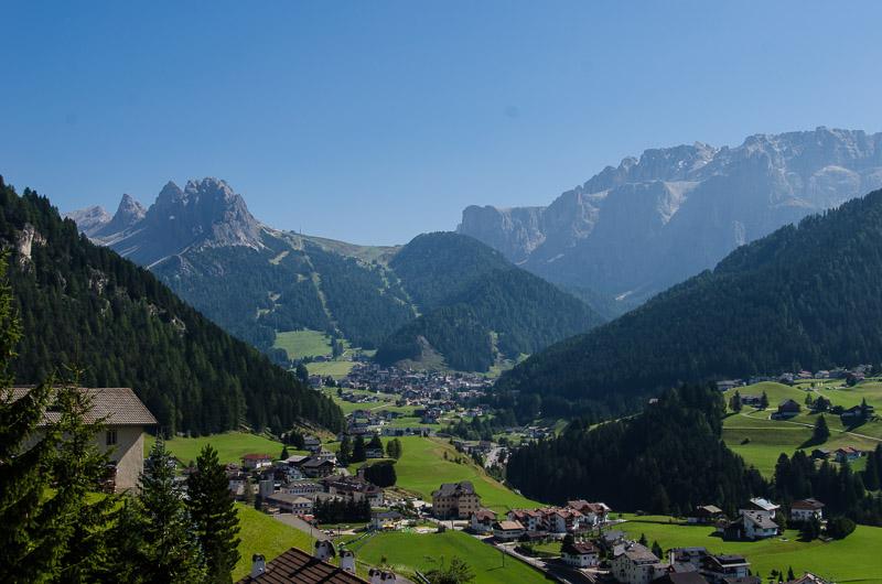 Blick nach Wolkenstein und Cirspitzen