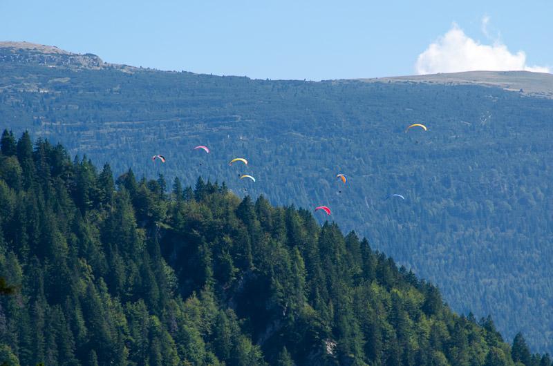 Paraglider über Molveno