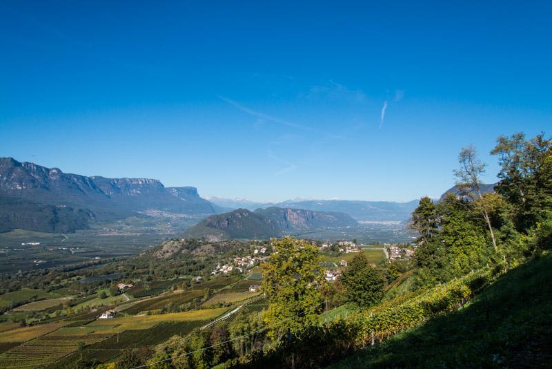Blick über Montan nach Kaltern