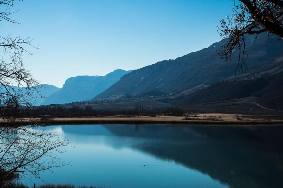 Blick vom Kalterer See nach Tramin