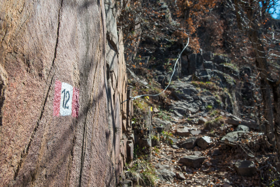 Etwas schiwerige als hier auf dem Fotos sind die gesicherten Passagen auf dem Leiferer Höhenweg schon