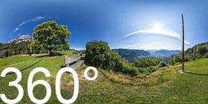 Blick nach Bozen mit Schlern und Rosengarten vom Aussichtpunkt Lipp in Perdonig