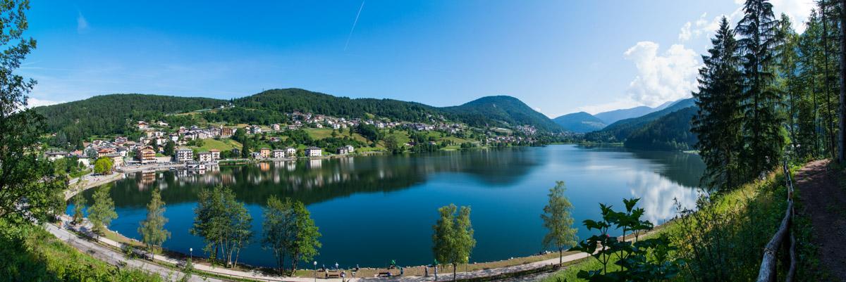 Seepanorama des Lago di Serraia im Val di Pinè