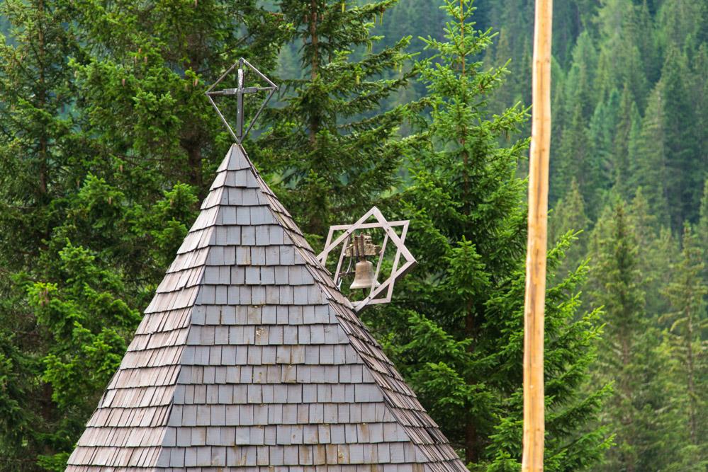 Kirchendach im Val San Nicolò