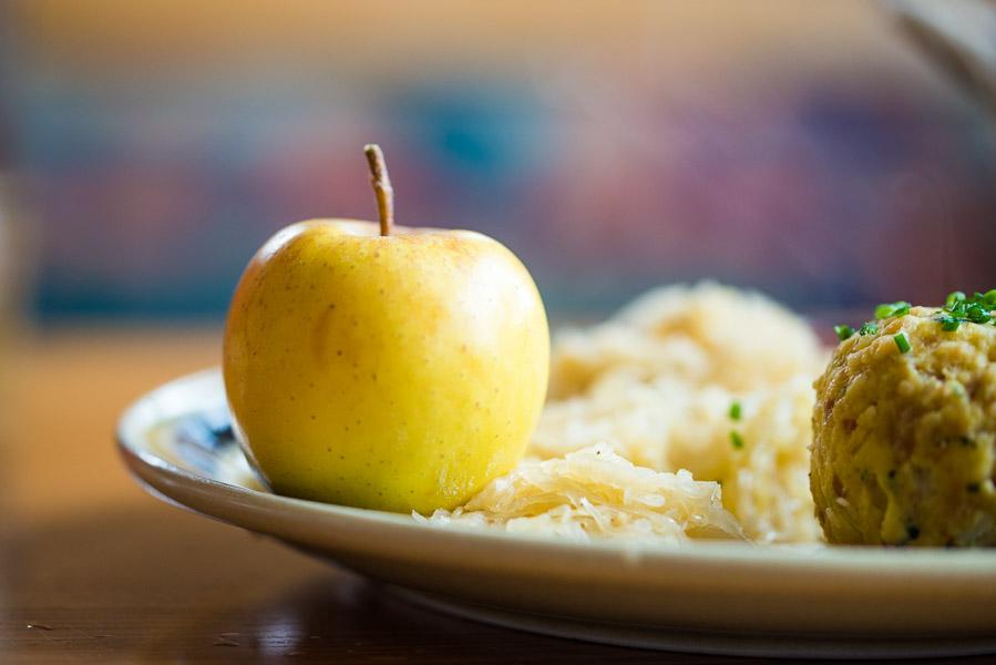 Apfel mit Knödel