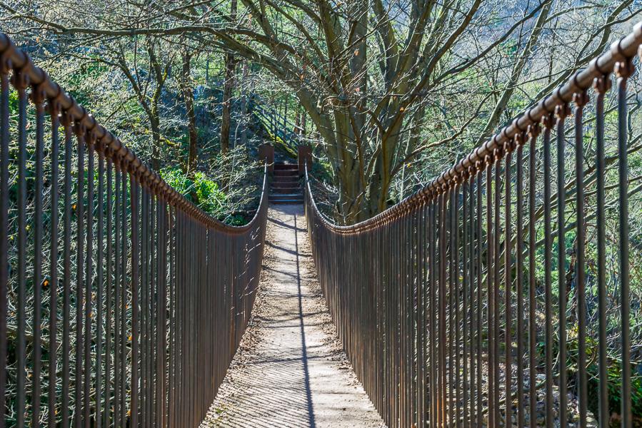 Hängebrücke  in Altenburg auf dem Weg zur Ruine St. Peter