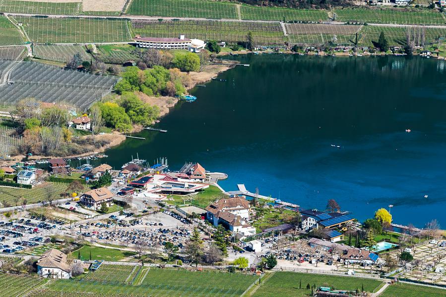 St. Josef am Kalterer See im Süden Südtirols