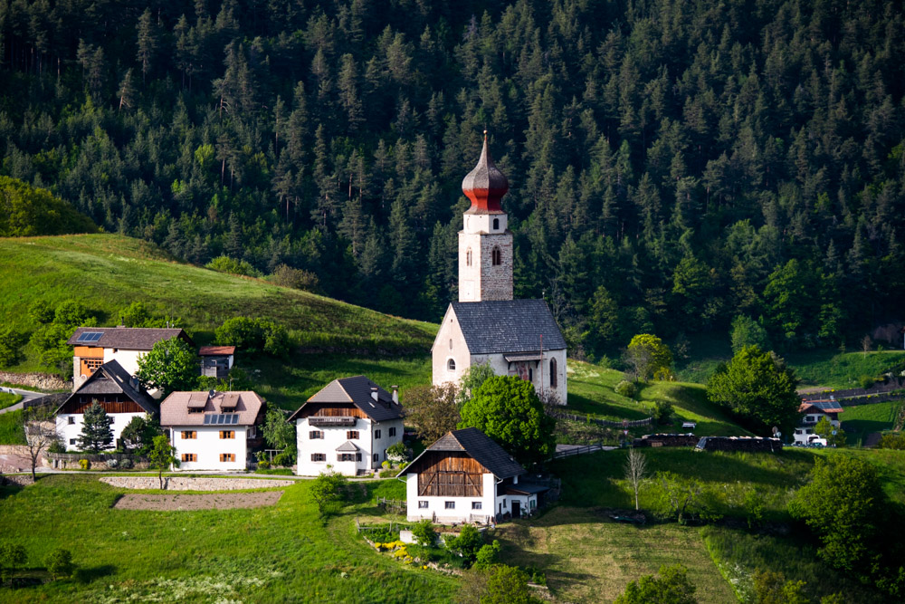 St. Nikolaus Kirche in Mittelberg am Ritten