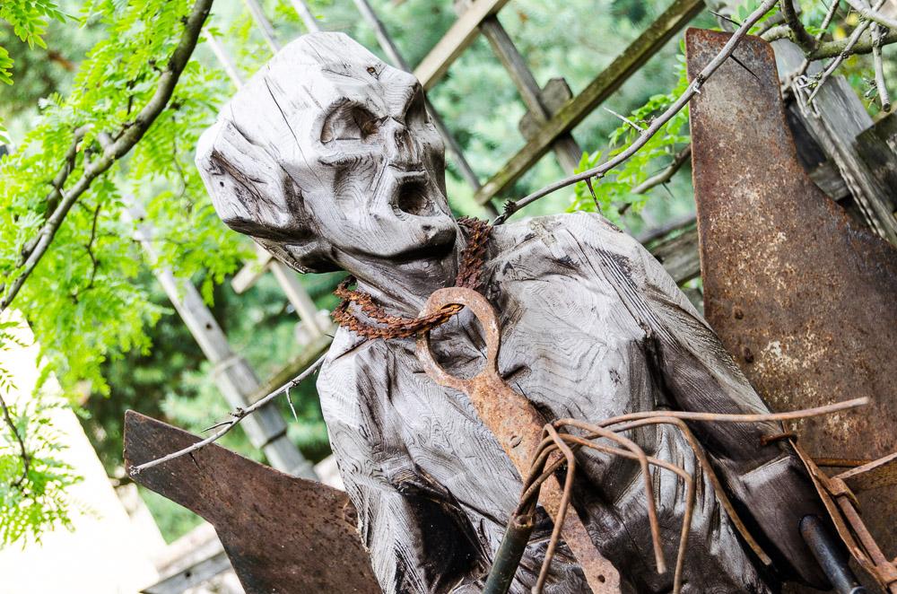 Skulptur in den Gärten von Schloss Trauttmansdorff