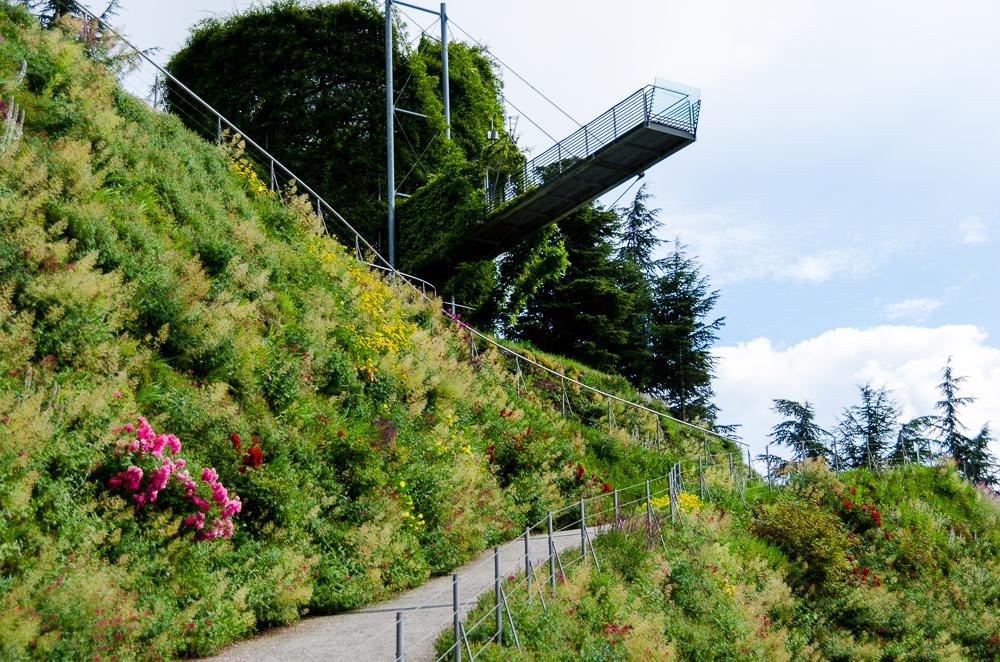 Aussichtsplattform in den Gärten von Schloss Trauttmansdorff