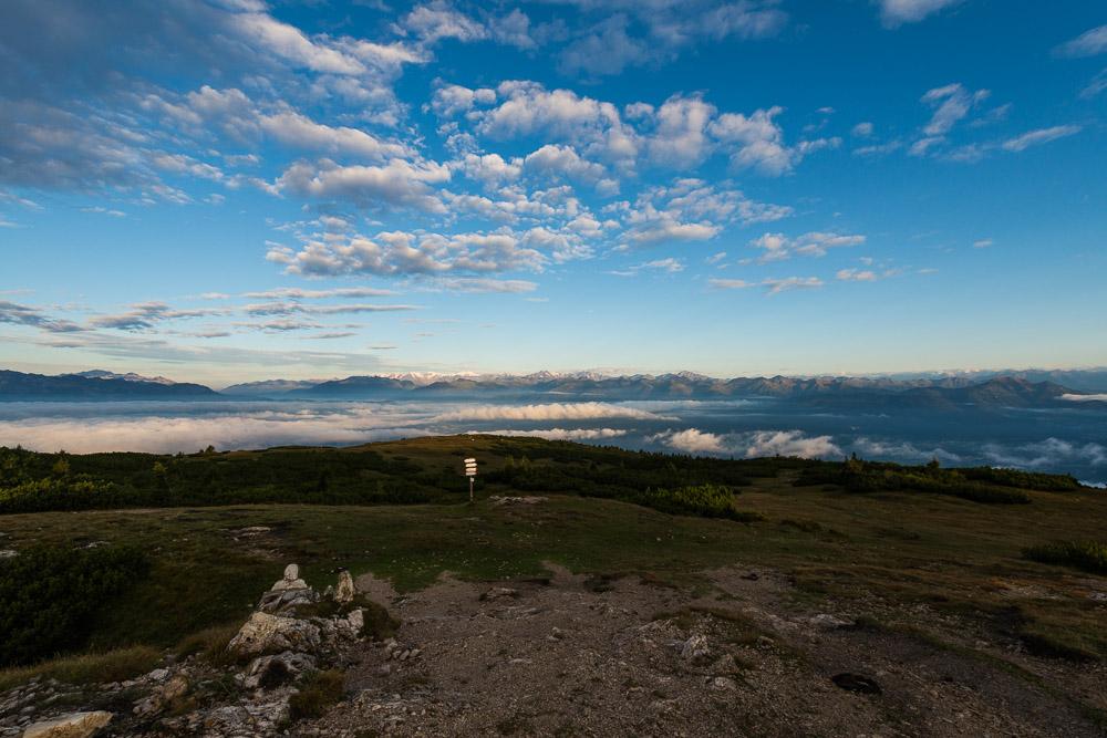 Sonnenaufgang am Roen-Blick zur Brenta Gruppe